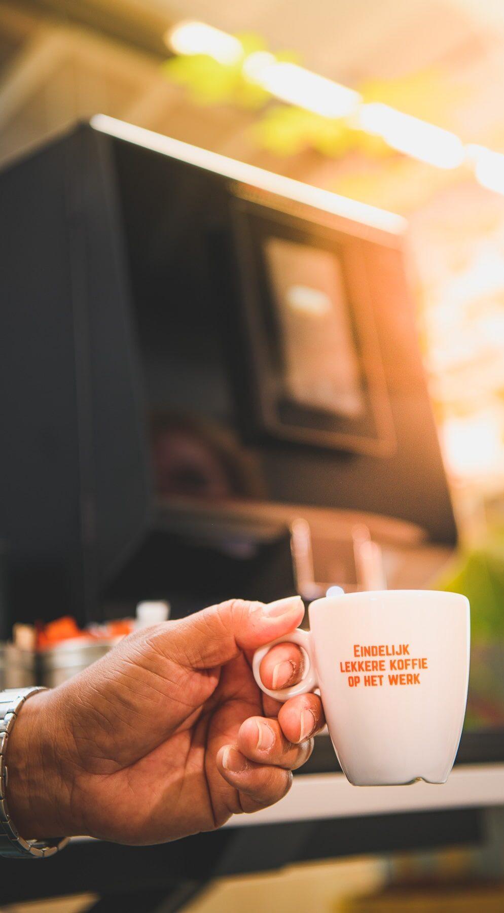 Koffie van een koffiemachine voor kleine bedrijven